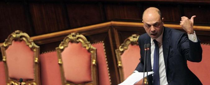 """Isis, Alfano: """"Espulso marocchino da Bologna. Faceva propaganda per Stato islamico"""""""