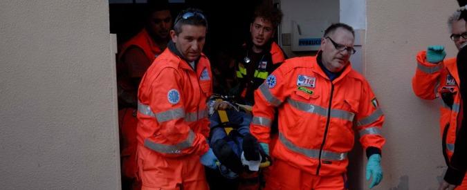 Ancona: donna uccisa a colpi di pistola in casa, marito è grave. Presi figlia 16enne e fidanzato di 18 anni