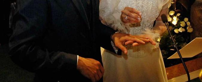 """Matrimoni, Istat: """"Nel 2014 calati ancora. E dal 2008 raddoppiate le unioni di fatto"""""""