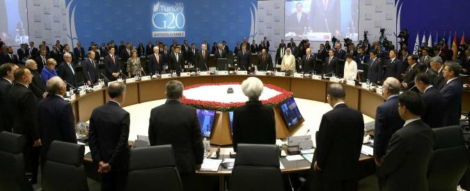 """Attentati Parigi, G20: """"Sanzioni ai regimi che finanziano i terroristi"""". Ma il Cremlino: """"Occidente diviso"""""""