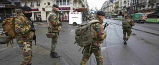 """Bruxelles, allerta massima per una """"minaccia imminente"""". Le Soir: """"Polizia cerca almeno due uomini con una bomba"""". """"Trovati esplosivi a Molenbeek"""" (FOTO E VIDEO)"""