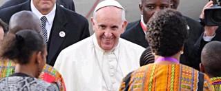 """Papa Francesco in Africa: """"Paura che nasce da povertà alimenta violenza e terrorismo. Preoccupato? Dalle zanzare"""""""