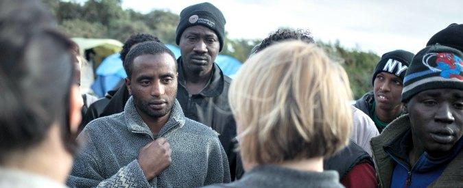 """Francia, porta bimba afghana da Calais in Inghilterra: rischia 3 anni di carcere. """"Volevo portarla dalla sua famiglia"""""""