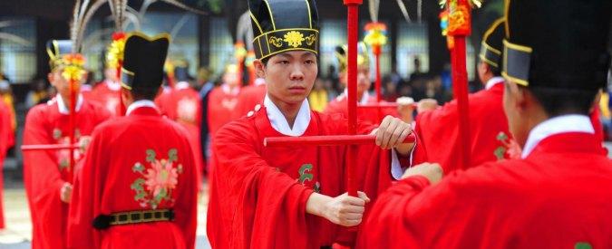 Cina, scuola confuciana per lavoratori migranti: lezioni anche in cantiere