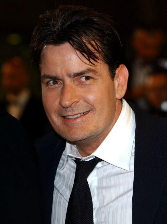 Charlie Sheen, è lui l'attore famoso sieropositivo che ha gettato Hollywood nel panico: l'annuncio in tv