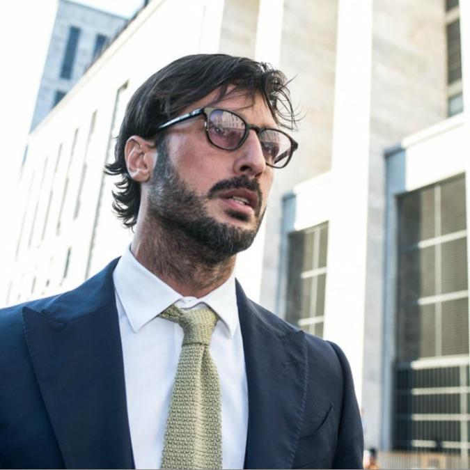 Fabrizio Corona, la storia senza lieto fine del Sisifo di Corso Como (FOTO)