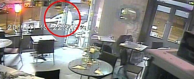 """Attentati Parigi, """"versi i soldi che ha intascato dal Daily Mail"""": comune blocca aiuti al ristorante 'Casa Nostra'"""