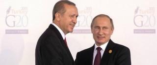 """Jet abbattuto, pilota vivo: """"Non hanno avvertito"""". Russia: """"Atto premeditato"""". Turchia: """"Bombarda dove non c'è Isis"""""""