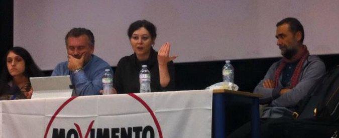 """M5S, meetup di Modena sfiducia Gibertoni: """"Dubbi su taglio stipendio e poco confronto"""". Lei: """"Vigliaccheria"""""""
