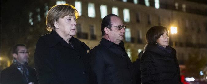"""Attentati Parigi, incontro Hollande-Merkel: """"Germania deve fare di più contro Isis"""". Cancelliera: """"Non possiamo batterlo con parole"""""""