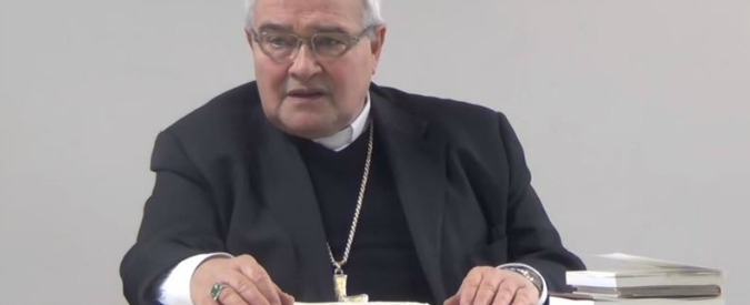 """Papa Francesco, il vescovo di Ferrara chiede un incontro: """"Con lui aprirò il mio cuore, se c'è scandalo chiederò perdono"""""""