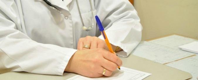 Matera, un medico si rifiuta di rilasciare un certificato falso: il paziente lo picchia
