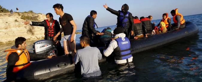 Migranti, naufragio al largo di Agrigento: due corpi in mare, in 30 sbarcati a terra