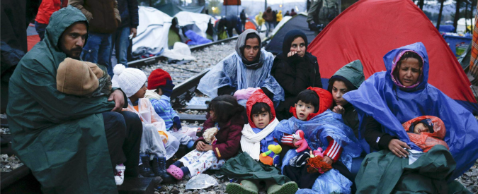 """Migranti, vertice Ue-Turchia a Bruxelles """"3 miliardi ad Ankara per bloccare il flusso dei rifugiati verso l'Europa"""""""