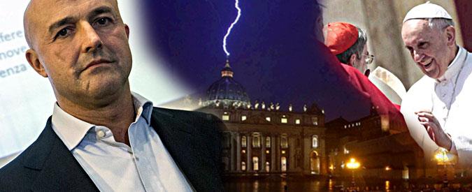 """Via Crucis, l'inchiesta di Nuzzi sul Vaticano segreto. """"Il Papa sa di investimenti della Chiesa usati per fabbricare armi"""""""