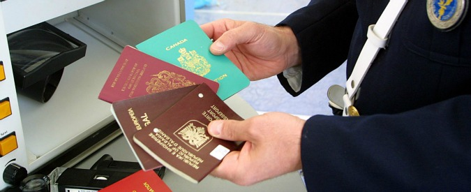 Passaporti falsi, undici arresti: tre funzionari di Mef e Zecca dello Stato Documenti in Turchia e contatti in Belgio