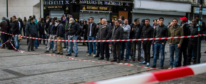 """Attentati Parigi, Saint-Denis dopo il blitz: """"Terroristi? Non sono dei nostri. C'è mafia affitti in nero a immigrati siriani"""""""