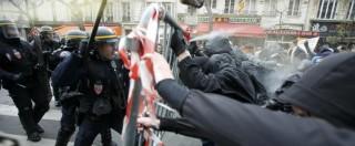Cop21 a Parigi, disordini a Place de la Republique. Marcia vietata: lancio di sassi e cariche della polizia (FOTO E VIDEO)