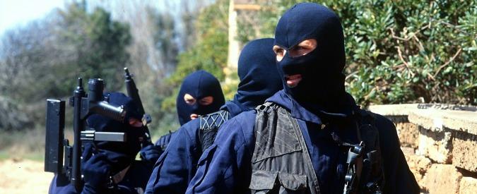 Attentati Parigi, premier potrà attribuire a forze speciali militari i poteri degli 007