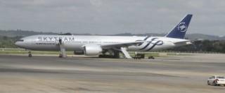 """Terrorismo, aereo Air France con bomba nascosta in bagno: """"Ma era finta"""". Cinque passeggeri arrestati"""