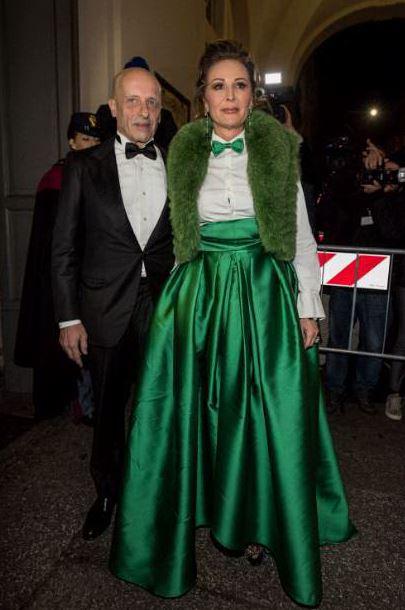 Alessandro Sallusti e Daniela Santanchè, in un vestito color Grinch