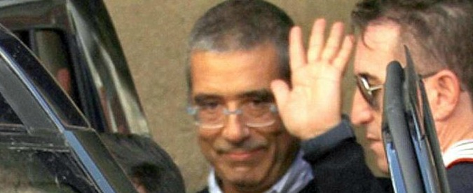 Sicilia, cartella esattoriale da un milione di euro per Cuffaro: sono le spese legali del processo sulle talpe in procura