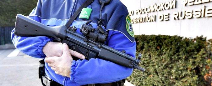 """Terrorismo, elevata l'allerta a Ginevra: polizia dà la caccia a quattro persone. """"Nel mirino Isis anche Chicago e Toronto"""""""
