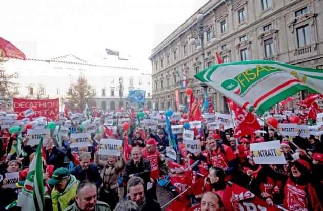 Milano - Sciopero dei lavoratori del commercio 12