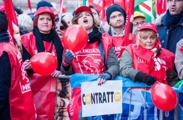 Milano - Sciopero dei lavoratori del commercio 14