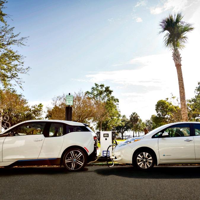 Stati Uniti, BMW e Nissan insieme per la rete di ricarica rapida con la doppia spina
