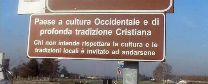 """Pontoglio, cartello all'ingresso del paese: """"Qui cultura occidentale e tradizione cristiana, chi non le rispetta se ne vada"""""""