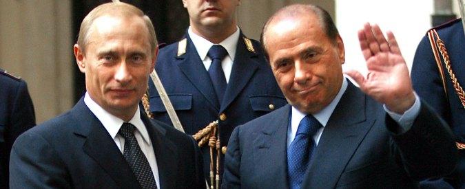 Russia, Mediaset si inchina allo zar: su Rete 4 va in onda l'apoteosi di Vladimir Putin. Niente giornalismo, solo idolatria