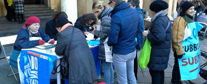 """Acqua pubblica Reggio Emilia, piano b del Pd dopo lo stop: società mista. Ma i comitati: """"Comandano ancora i privati"""""""