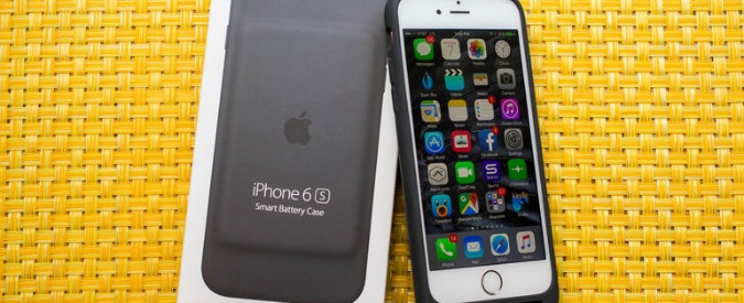 Apple, anticipazioni su iPhone7. Nel 2016 in arrivo iWatch2 e la prima Smart Battery Case