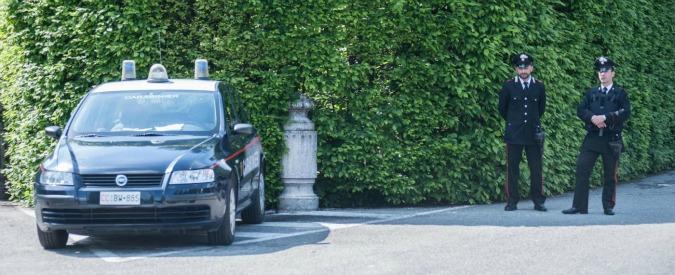 Arcore, uomo si dà fuoco davanti alla villa di Silvio Berlusconi