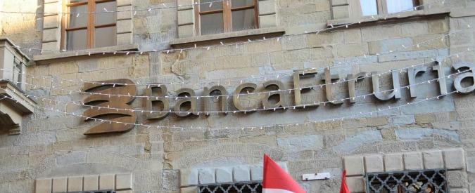 Salva banche, governo lima decreti sui rimborsi per dribblare Consulta. Bomba artigianale davanti a filiale Etruria