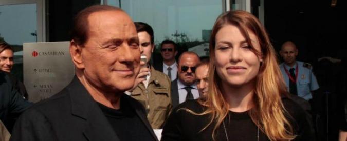 Natale a casa Berlusconi, panettoni con il cerchio magico. Ma la Rossi provoca malumori tra i figli dell'ex Cavaliere