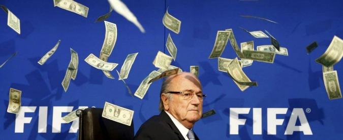 """Blatter, nuove accuse al presidente Fifa: """"Sapeva di maxi-tangente sui diritti tv"""""""