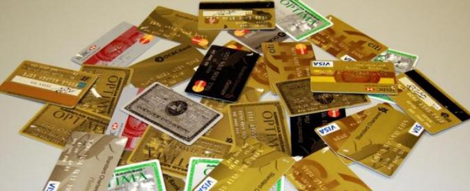 """Carte di credito, in vigore limiti Ue alle commissioni. Consumatori: """"Alla fine cittadini pagheranno di più"""""""