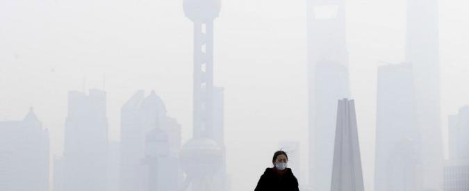 """Cina, in vendita bottiglie di """"aria pulita canadese"""" per combattere lo smog"""