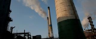 """COP21 Parigi, via libera all'accordo sul clima: """"Impegni vincolanti per ridurre le emissioni di anidride carbonica"""""""