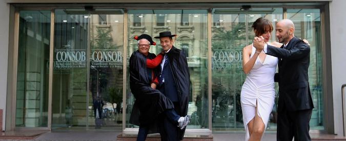 """Salva banche, dietro front di Renzi: """"Non sarà Consob l'arbitro sui risarcimenti ai risparmiatori"""""""
