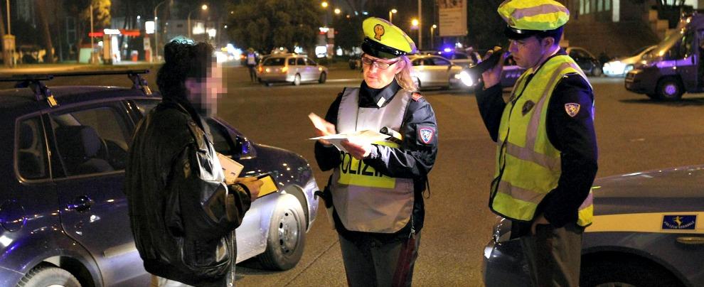 """Guida senza patente, il Governo vuole depenalizzare la sanzione per i recidivi. Asaps: """"Segnale preoccupante"""""""