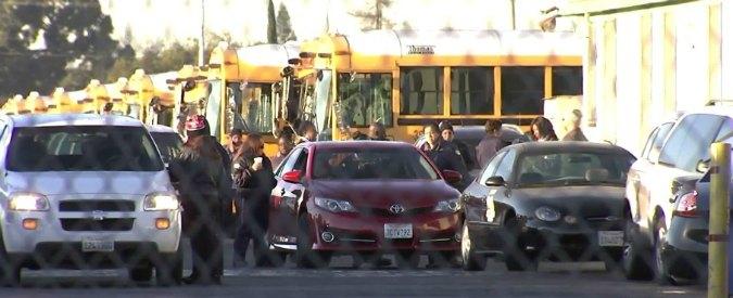 """Los Angeles, scuole chiuse per """"minaccia terroristica via email"""". A casa 600mila studenti. Allerta anche a New York"""
