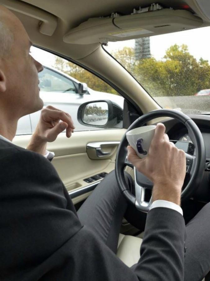 """Olanda, sesso in cambio di lezioni di guida: è la legge """"Ride for a Ride"""""""