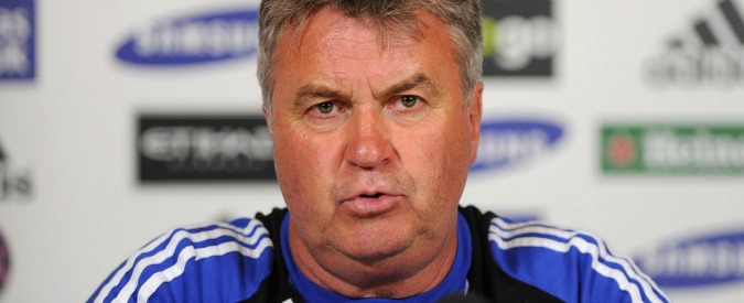 Chelsea, Guus Hiddink è il nuovo tecnico dei Blues dopo l'esonero di Mourinho