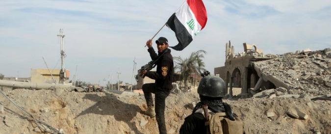 Isis, la strategia confusa delle grandi potenze e gli interessi per creare staterelli fedeli sulle macerie di Iraq e Siria