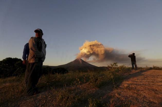 Eruzione del vulcano Momotombo in Nicaragua