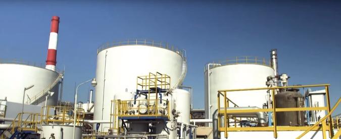 Azerbaigian, incendio in una piattaforma petrolifera sul mar Caspio: 30 dispersi