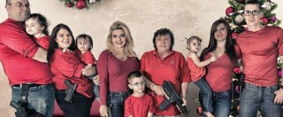 Strage in California, la cartolina di Buon Natale della deputata del Nevada: foto con tutta la famiglia armata